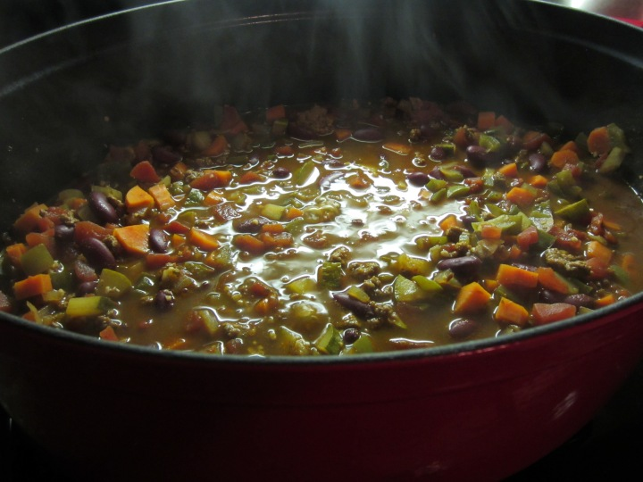 Smoky Poblano Beef Chili - 283 calories per serving