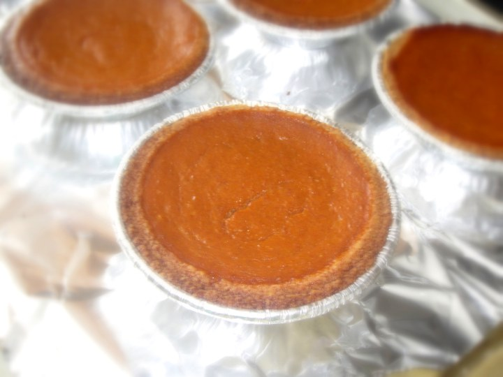 Mini Pumpkin Pies- 157 calories per serving