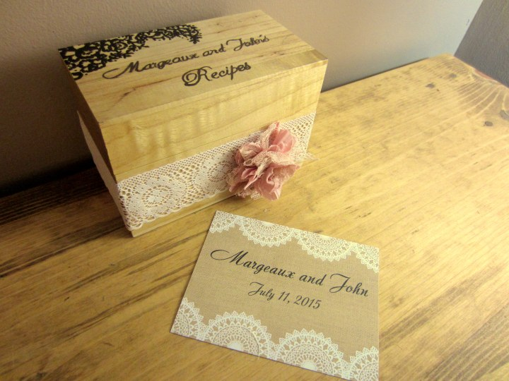 Wood and Lace Recipe Box with Recipe Card Back